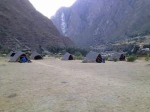 Überblick auf den Campingplatz Kilometer 82 Inka-Trail Camp